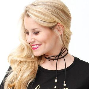 Faux Leather Bow String Choker w / Clasp